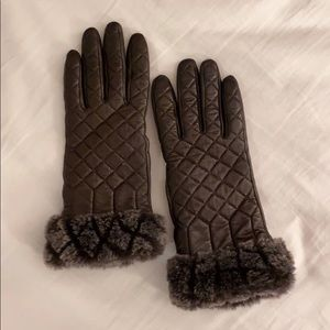 Ugg Croft Quilted Shearling Cuff Smart Gloves